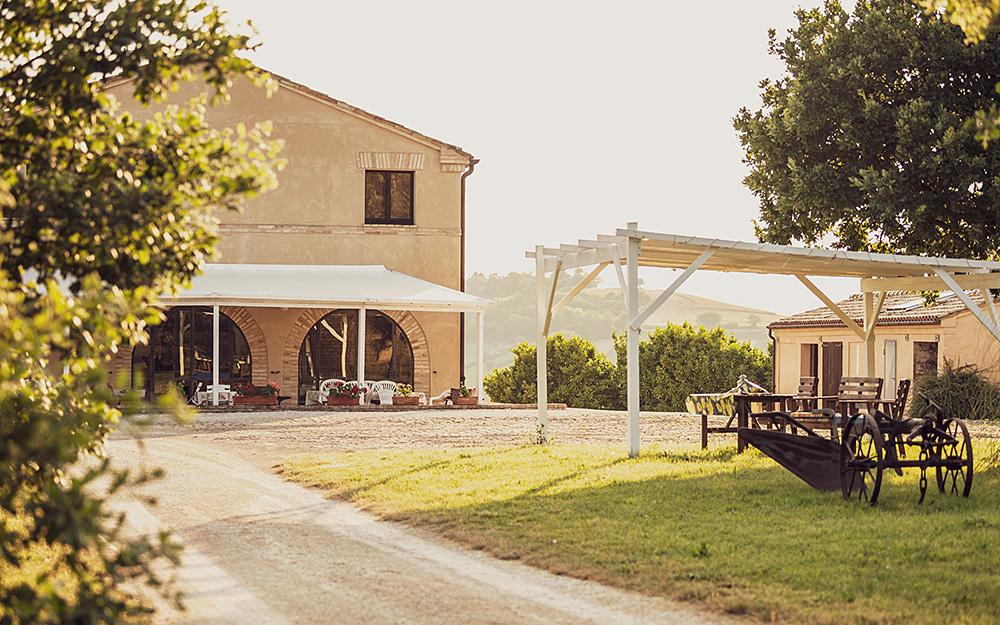 La tua casa vacanza nelle Marche, casale Accattoli upper side